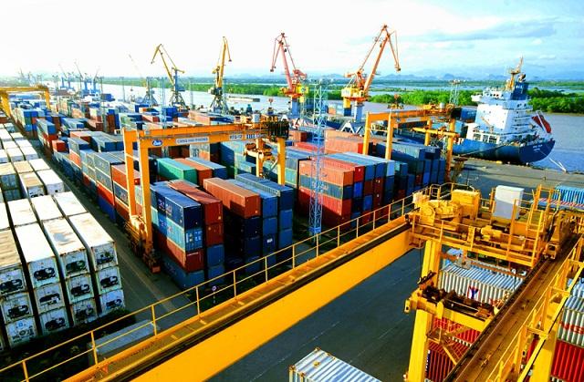 8 tháng đầu năm, Việt Nam thặng dư thương mại kỷ lục 4.69 tỷ USD