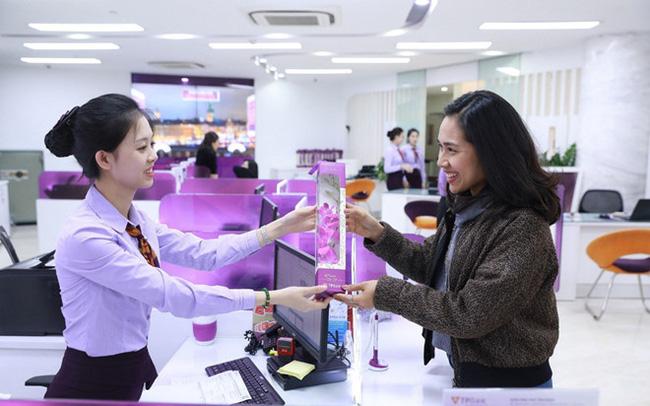 Kiểm soát viên của ngân hàng cần làm gì để quản lý tốt rủi ro tại quầy?