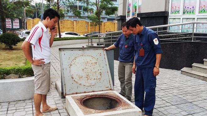 Chung cư cao cấp bị cúp nước, hơn 1.000 hộ dân khốn khổ