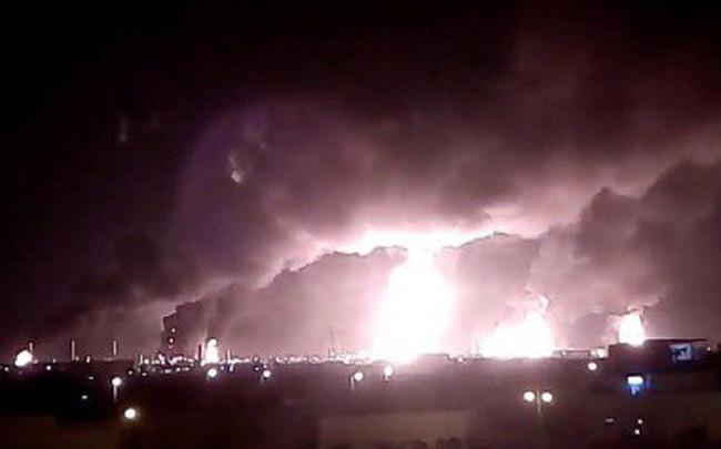 Vụ tấn công vào trái tim dầu mỏ để lộ tử huyệt phòng không của Ả rập Xê út dù tiêu tốn hàng tỷ USD