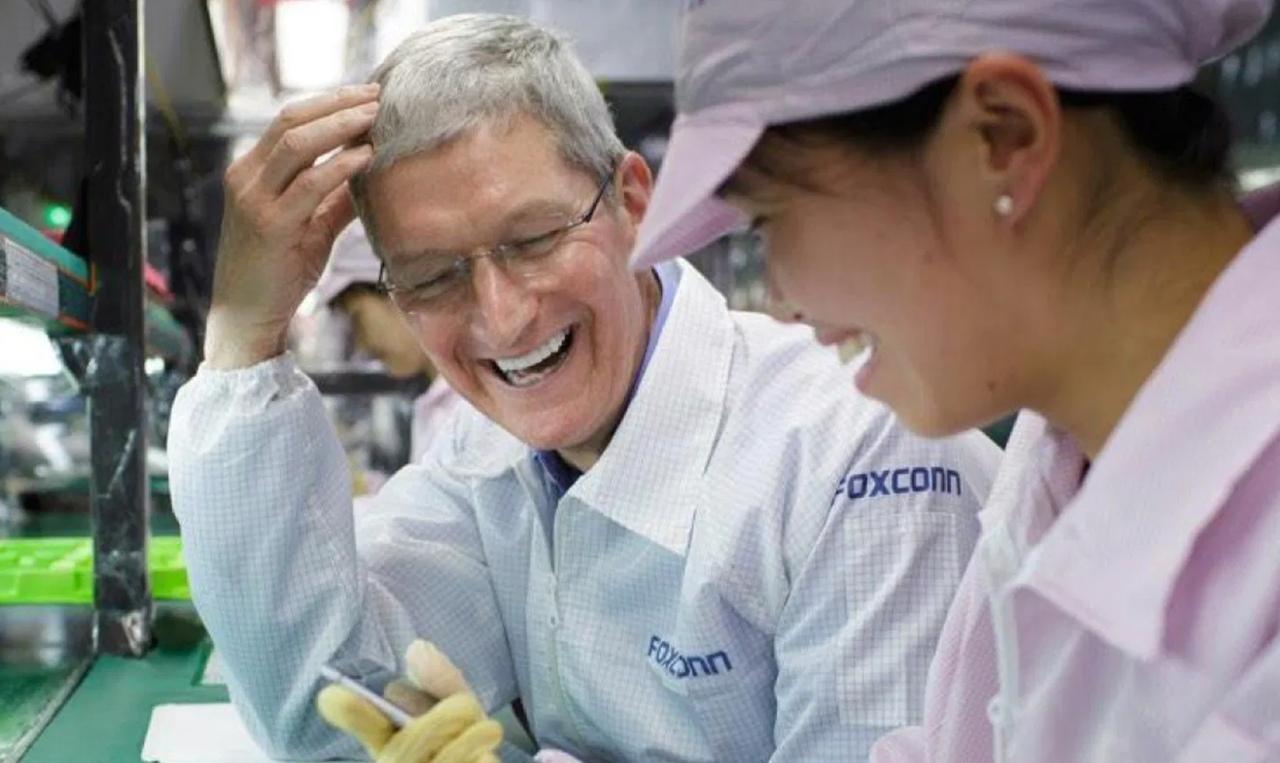 Reuters: Foxconn chuyển sản xuất iPad và MacBook sang Việt Nam theo yêu cầu của Apple