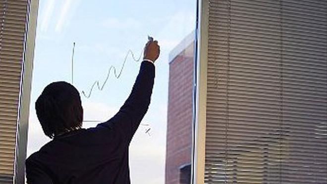 """Tháng 10, dự báo những cổ phiếu được """"săn đón"""""""