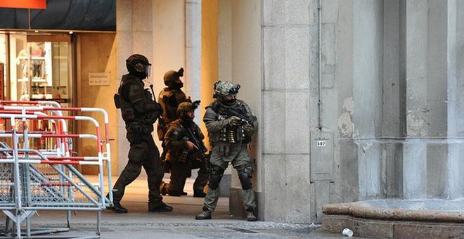 Nổ bom ở trung tâm nhập cư của Đức