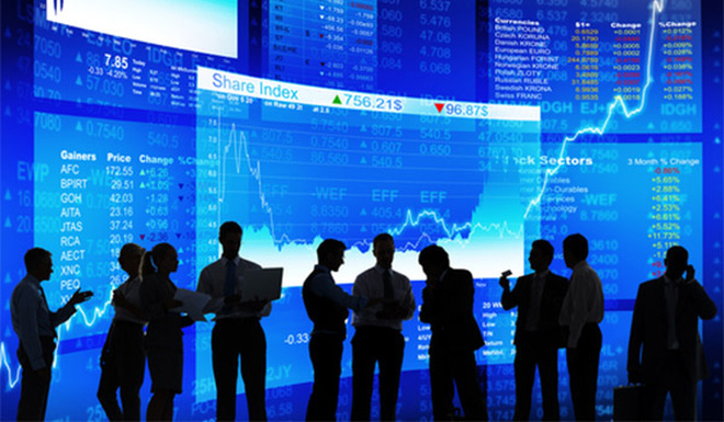 Thị trường bật lên sắc xanh rực rỡ, dòng tiền luân phiên giữa các cổ phiếu cơ bản