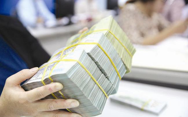 Quyết định hạ lãi suất của NHNN sẽ tác động thế nào đến các ngân hàng thương mại và nền kinh tế?