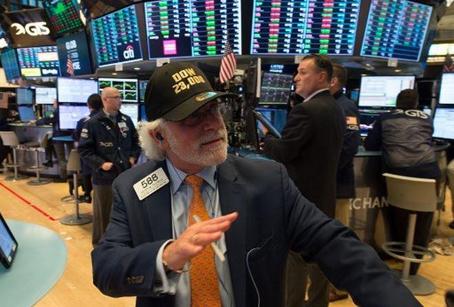 Tuần qua, khối ngoại tiếp tục nhắm đến cổ phiếu lớn, mua ròng gần 2.700 tỷ đồng