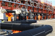 Giá dầu Brent giảm mạnh sau khi đạt đỉnh 2,5 năm