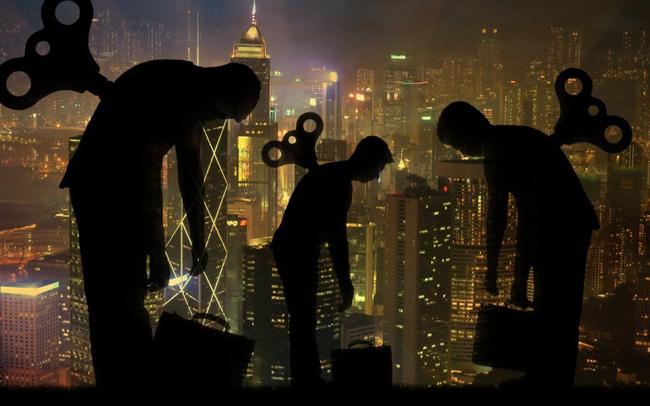"""Hồng Kông: Không thuế thừa kế, không thuế cổ tức, không thuế lãi từ bất động sản, người giàu ngày càng """"ung dung"""" hưởng lợi, tầng lớp trung lưu """"nai lưng"""" �"""