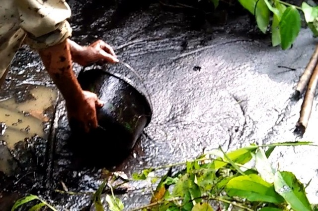 Công ty gốm sứ Thanh Hà lên tiếng về việc xả thải dầu xuống sông Đà