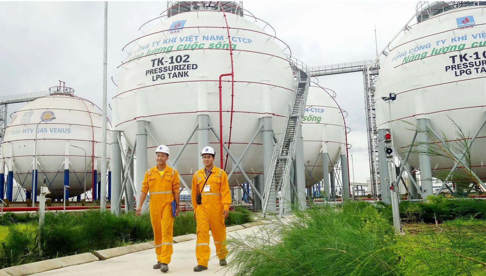 Giá dầu tăng, GAS báo lãi quý 3 gần gấp đôi cùng kỳ, 9 tháng vượt 12% kế hoạch
