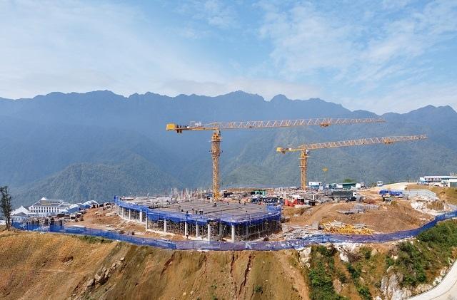 Dẫn đầu doanh thu toàn ngành, Hòa Bình trở thành nhà thầu xây dựng uy tín số 1