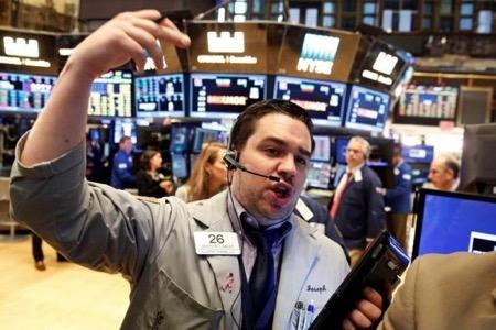 Dow Jones vọt hơn 350 điểm nhờ báo cáo lợi nhuận đầy lạc quan từ các ông lớn