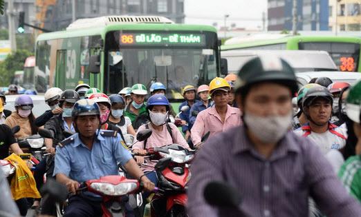 TP.HCM có nhất thiết thành siêu đô thị 15-20 triệu dân?