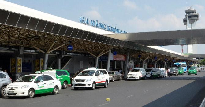 """Thị trường 24h: Đi Nội Bài chỉ 150 ngàn, taxi sân bay thời dìm nhau đến """"chết"""""""
