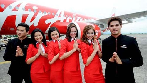 Hãng bay giá rẻ AirAsia kiếm tiền bằng cách nào?