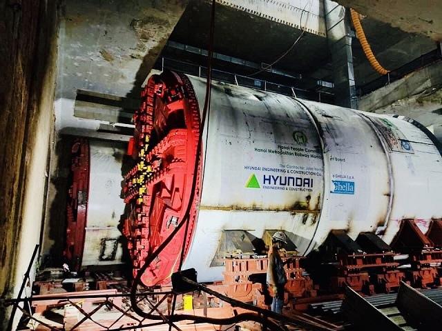 Robot đào hầm của tuyến đường sắt đô thị số 3, đoạn Nhổn - ga Hà Nội được lắp ráp như thế nào?