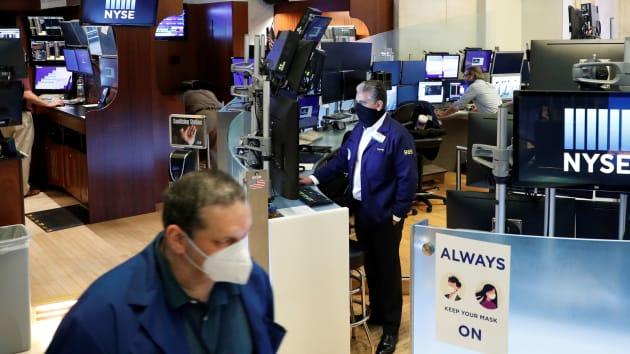 Phố Wall sắp bước vào mùa báo cáo tài chính tệ nhất trong 12 năm