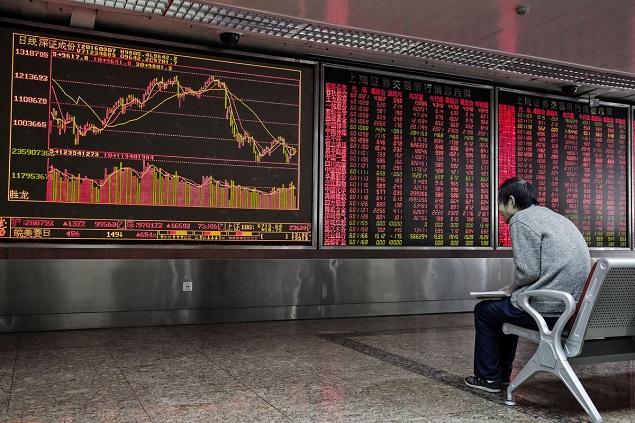 Giới đầu cơ Trung Quốc đổ xô vào nhóm cổ phiếu rủi ro cao sau các biện pháp cứu trợ của Chính phủ