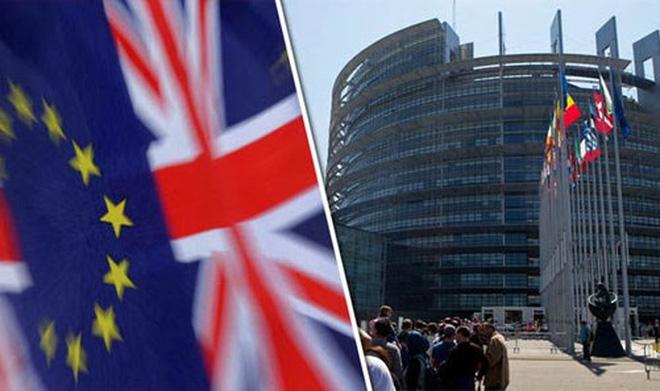Moody's hạ bậc tín dụng Anh Quốc