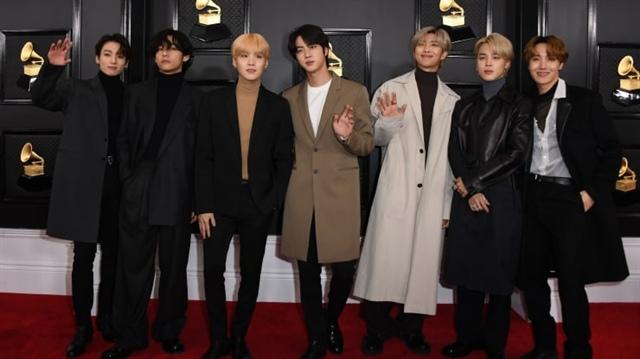 Fan cuồng BTS mua cổ phiếu ủng hộ thần tượng