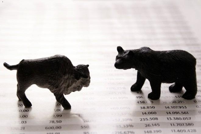 Khối ngoại không ngừng mua ròng, VnIndex mất gần 5 điểm trong phiên cuối tuần bởi cổ phiếu Bluechips