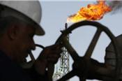 Giá dầu biến động trái chiều do lo ngại về nguồn cung, tăng trưởng kinh tế
