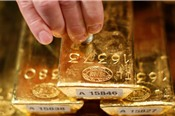 Triển vọng giá vàng tuần 23 – 27/7: Xoay quanh USD và căng thẳng thương mại thế giới