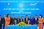Cái 'bắt tay' giữa Petrolimex và HDBank: Nhân đôi sức mạnh