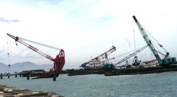 1 cá nhân gom hết 111,000 cp Cảng Vĩnh Long giá 181,000 đồng/cp