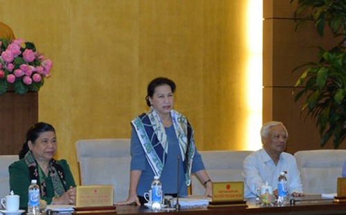 Hãng phim truyện lùm xùm, Chủ tịch Quốc hội nhắc nhở về cổ phần hoá