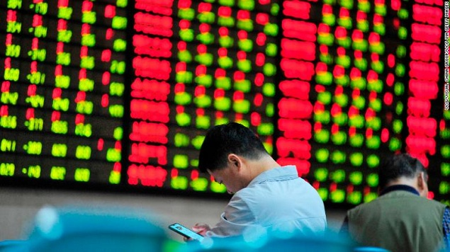 Rớt ngưỡng 26,000 điểm, chứng khoán Trung Quốc tiếp tục giảm mạnh