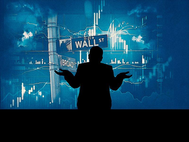 Dow Jones rớt 400 điểm sau khi ông Trump yêu cầu công ty Mỹ tìm kiếm phương án thay thế cho Trung Quốc