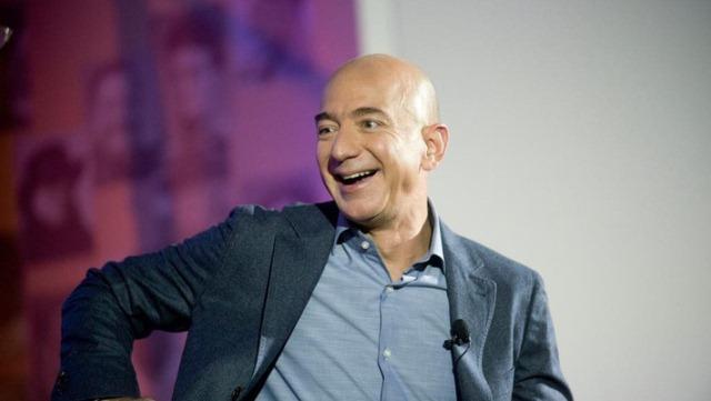 Cổ phiếu Amazon lập kỷ lục mới, Jeff Bezos