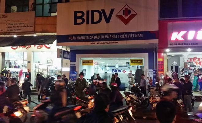 [Video]: Toàn cảnh vụ cướp ngân hàng BIDV táo tợn ở Huế