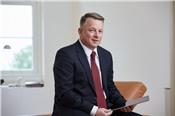Cựu nhân viên ngân hàng Đức quản lý 1,7 tỷ USD cho 30 khách