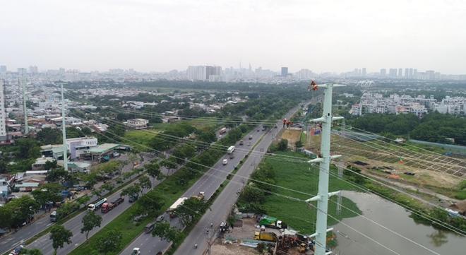 Đóng điện thành công đường dây 220 kV Nam Sài Gòn - quận 8