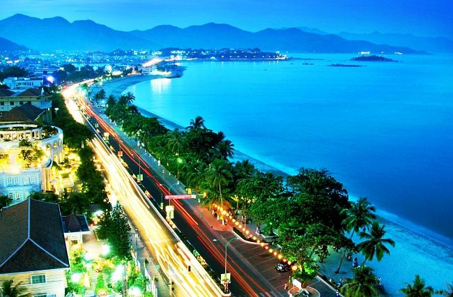 UBND tỉnh Khánh Hòa đấu giá cổ phiếu NUE và KHW: Hai số phận