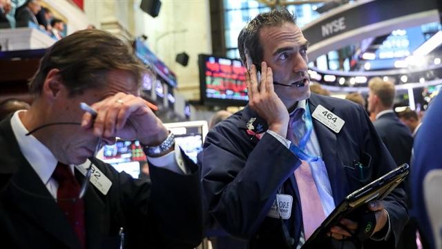 Dow Jones tương lai quay đầu tăng 350 điểm sau phiên giảm mạnh