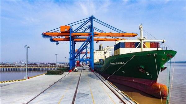 Xây dựng các bến cảng tại Dung Quất ngang tầm trong khu vực