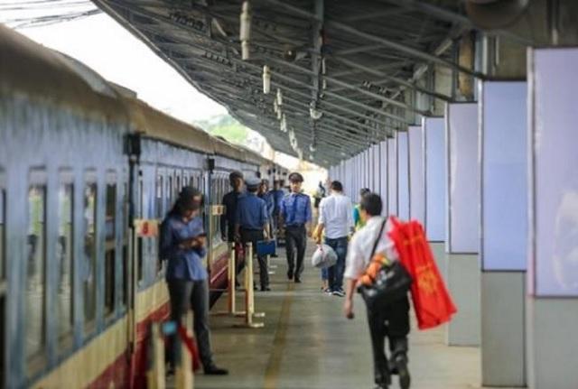 Đường sắt sẽ chạy hơn 20 đôi tàu khách trên tuyến Bắc-Nam dịp Tết 2021