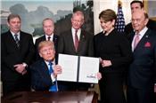 Chứng khoán châu Á sụt giảm sau tin Trump đánh thuế Trung Quốc