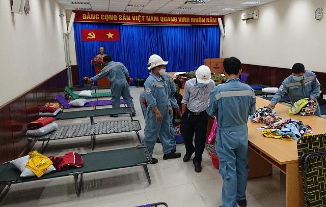 Gần 600 cán bộ công nhân viên EVNGENCO 3 cắm trại tập trung trong nhà máy điện