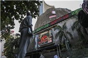 Sàn chứng khoán Singapore và Ấn Độ kiện nhau vì trùng sản phẩm