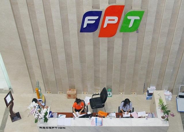 FPT lãi trước thuế 2.4 ngàn tỷ sau 5 tháng
