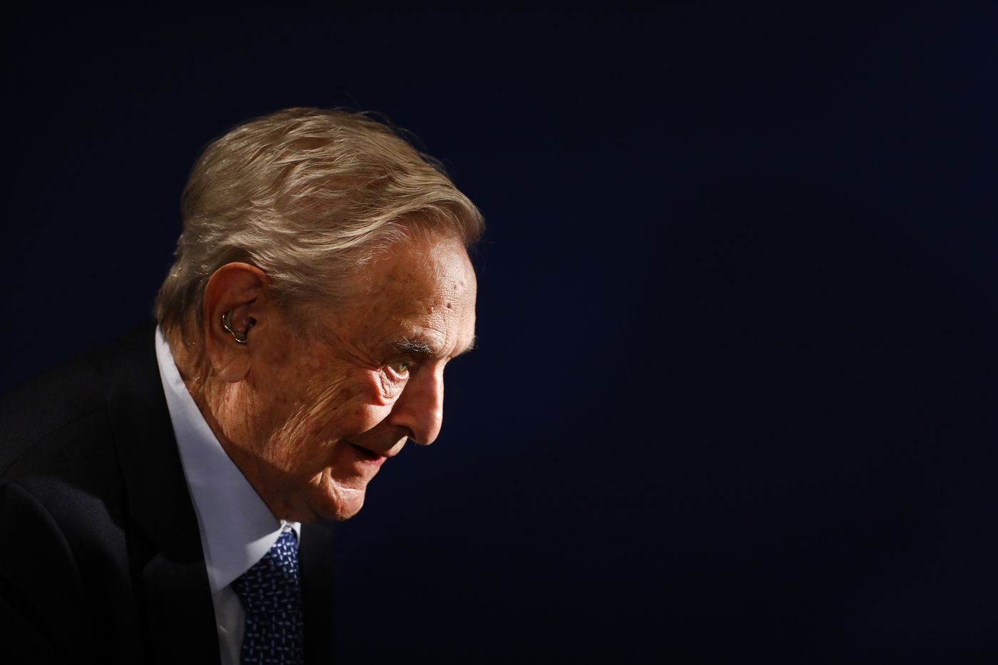 Quỹ của George Soros mua mạnh những cổ phiếu bị bán tháo trong vụ call margin của Archegos