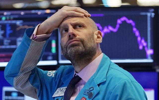 Dow Jones giảm hơn 500 điểm