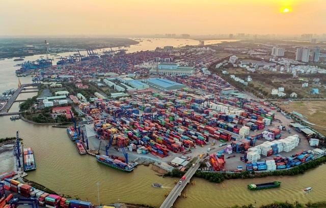 Giải pháp cho hàng hóa xuất nhập khẩu ùn tắc tại cảng Cát Lái