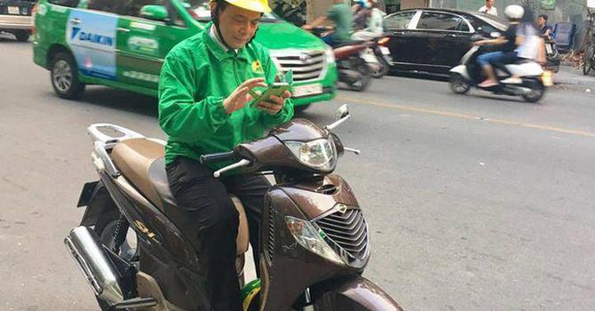 """Taxi Mai Linh trong """"cuộc chiến"""" với Uber, Grab: Cầu cứu vì nợ nần"""