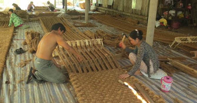 """""""Hai Lúa"""" chế tạo máy và xuất thảm xơ dừa sang Hàn Quốc"""