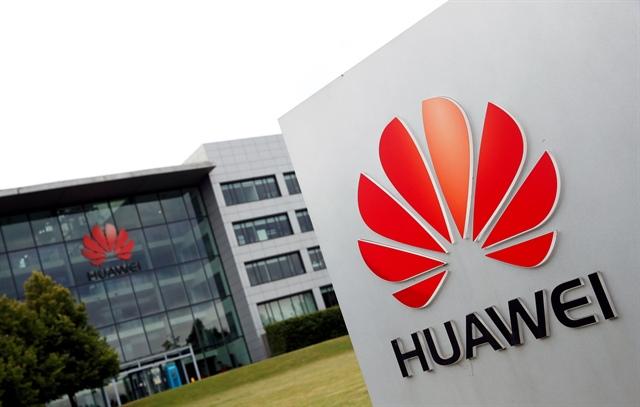 Đà tăng trưởng của Huawei chậm lại vì lệnh trừng phạt của Mỹ